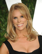 Cheryl Hines attended the 2012 'Vanity Fair' Oscar Party wearing a pair of 18-carat white and pink gold double drop diamond earrings.