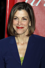 Wendie Malick framed her face with a sleek mid-length bob.