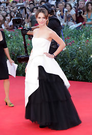 Isabella donned a dramatic white strapless gown with a black tulle skirt to the Venice Film Festival.