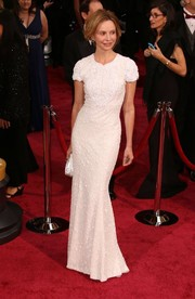 Calista Flockhart chose an all-white embellished Andrew Gn gown for the 2014 Academy Awards.