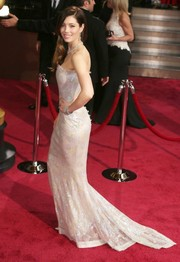 Pretty in pink, Jessica Biel donned a couture Chanel strapless beaded gown for the 2014 Academy Awards.
