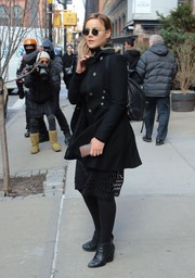 Abbie Cornish geared up for the New York chill with a stylish black swing jacket.