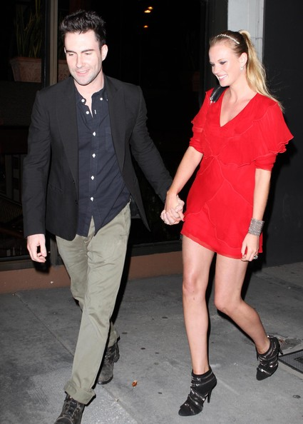 Anna walked hand and hand with boyfriend Adam as she showed off her black zipper ankle boots.