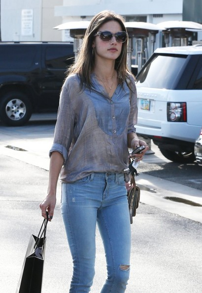 More Pics of Alessandra Ambrosio Skinny Jeans (1 of 12) - Skinny Jeans Lookbook - StyleBistro