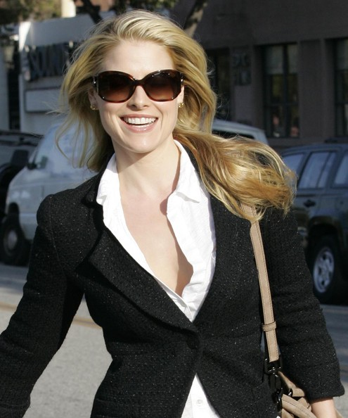 More Pics of Ali Larter Rectangular Sunglasses (1 of 17) - Ali Larter Lookbook - StyleBistro