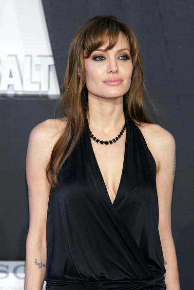 Angelina Jolie Gemstone Collar Necklace []