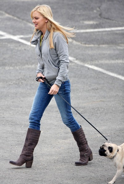 Anna Faris went for a stroll in brown leather buckled knee high boots.