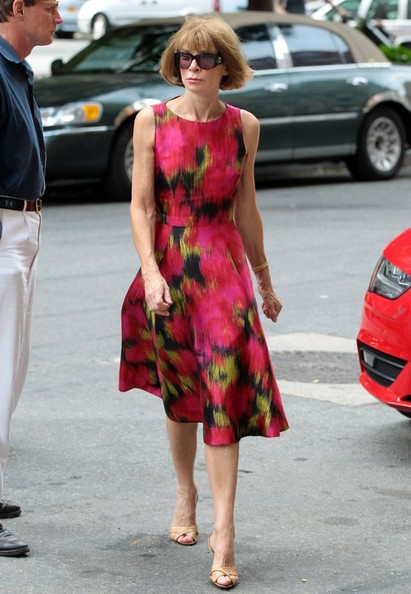 More Pics of Anna Wintour Print Dress (5 of 7) - Anna Wintour Lookbook - StyleBistro