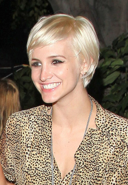Ashlee simpson short straight cut ashlee simpson hair looks ashlee simpson short straight cut urmus Gallery