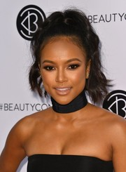 Karrueche Tran styled her hair into a high ponytail for Beautycon LA 2016.