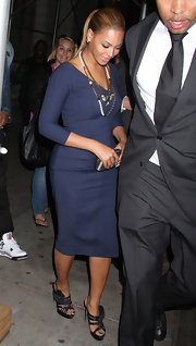 Beyonce Knowles wore a pair of sparkly strappy sandals while out having dinner with Jay-Z in NYC.