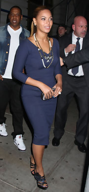 Beyonce Knowles stepped out for dinner at Nobu in NYC wearing glittery blue nail polish on her toes.