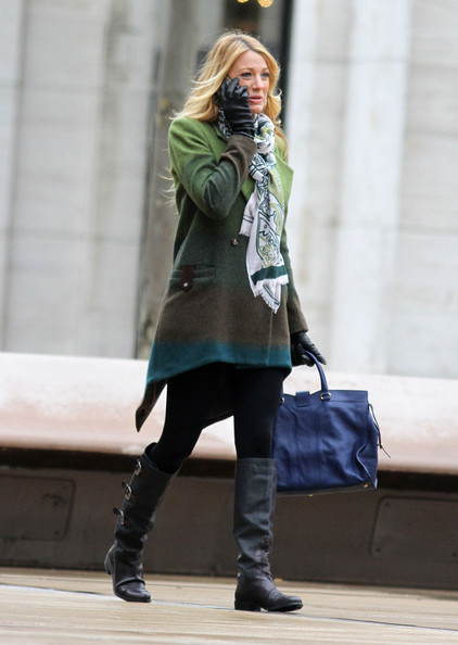 More Pics of Blake Lively Leather Tote (1 of 20) - Blake Lively Lookbook - StyleBistro