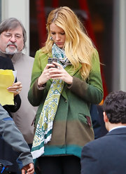 Blake Lively wore her hair long and wind-blown while filming scenes from 'Gossip Girl.'