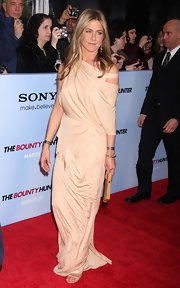 Jennifer Aniston wore a pair of rose-cut diamond and gold snake earrings to the Premiere.