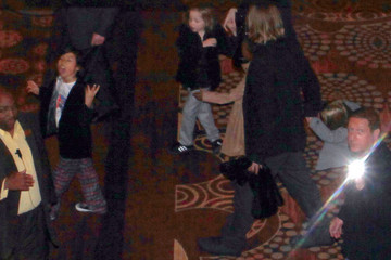 Brad Pitt Zahara Jolie Pitt Brad Pitt & Angelina Jolie With Their Kids At The Mandalay Bay Hotel And Casino