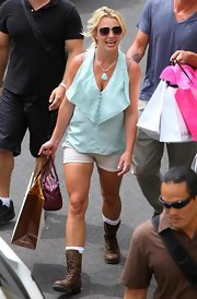 Britney Spears wore brown combat boots while doing a bit of shopping in Maui.