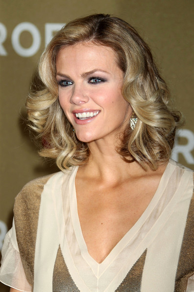 Brooklyn Decker Medium Curls
