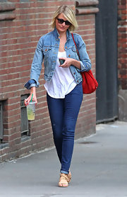 Cameron Diaz strolled through NY in this classic denim jacket.