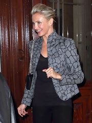 Cameron Diaz gave her monochromatic look a graphic pop with a cobblestone print jacket.