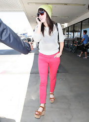 Carly Rae Jepsen was spotted at LAX wearing a pair of hot pink skinnies.