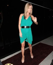 Joanna Krupa looked very summery in a breezy green dress while out for dinner in RivaBella.