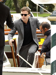 Casey Affleck arrived at Venice's Excelsior Hotel in style in a pair of classic Wayfarer sunglasses.