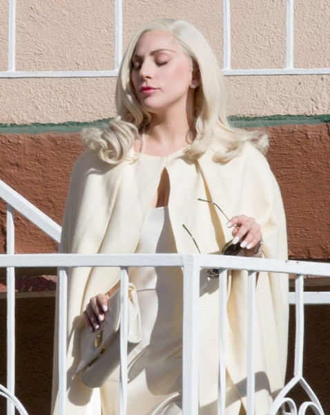 More Pics of Lady Gaga Leather Gloves (4 of 60) - Leather Gloves Lookbook - StyleBistro []