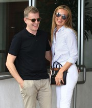 Cat Deeley grabbed lunch in Beverly Hills wearing a stylish pair of mirrored aviators.