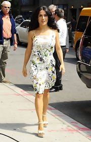 Salma chose a totally summery look when she sported this floral-printed frock.