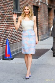 Katharine McPhee visited 'The Late Show with Stephen Colbert' wearing a cute combo dress by Alexander Lewis.