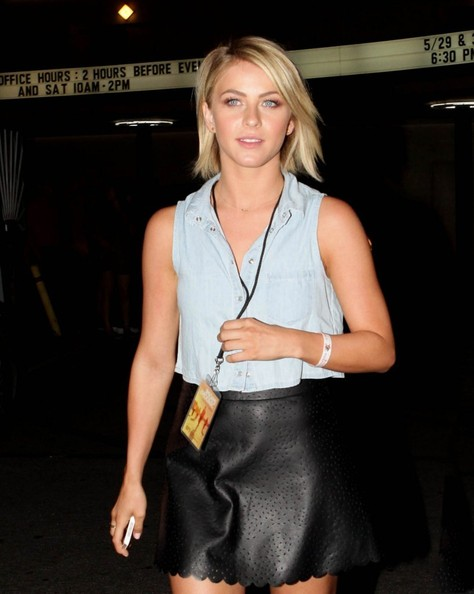 More Pics of Julianne Hough Denim Shirt (1 of 9) - Julianne Hough Lookbook - StyleBistro