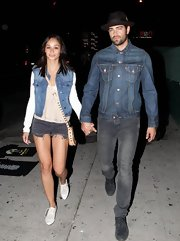 Jesse Metcalfe chose a classic denim jacket for his concert look.