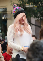 Ellie Goulding showed off her affinity for funky style in this bold printed beanie.
