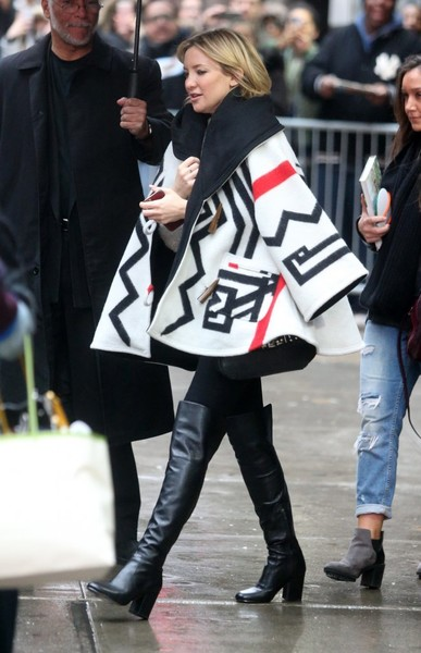 More Pics of Kate Hudson Over the Knee Boots (4 of 12) - Boots Lookbook - StyleBistro []