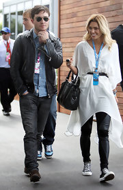 Ashley Hart was spotted at the Australian Grand Prix wearing a white tunic.