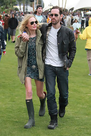 Kate Bosworth attended Coachella Music Festival looking relaxed while wearing a pair of classic rain boots.