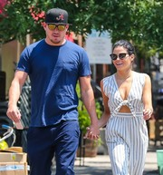 Jenna Dewan-Tatum took a stroll in New York City wearing a pair of Gentle Monster cateye sunnies.
