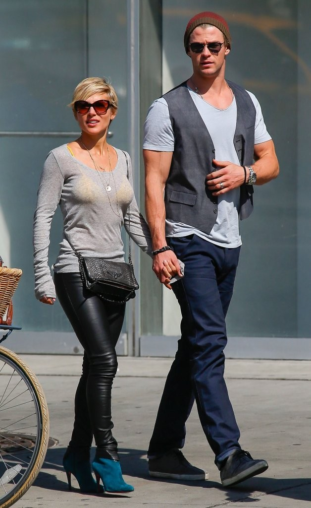 Chris Hemsworth Vest Chris Hemsworth Looks Stylebistro