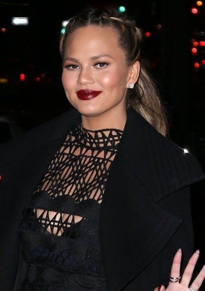 Chrissy Teigen Red Lipstick