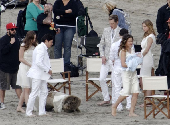 "Stars Film A Beach Wedding On Set Of ""Revenge"""