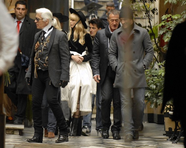 Claudia Schiffer And Karl Lagerfeld At A Photo Shoot In Buenos Aires