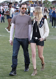 A pair of frayed black jean shorts added a grunge-chic vibe to Kate Bosworth's festival attire.
