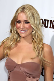 Kristin showed off her California girl beach waves at the premeire of 'Country Strong.'