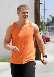 Sean Lowe's tangerine tank was a casual and comfy choice for the star during his 'Dancing With the Stars' rehearsal.