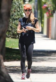 Eliza Dushku kept her workout gear simple with logo tee and workout leggings.