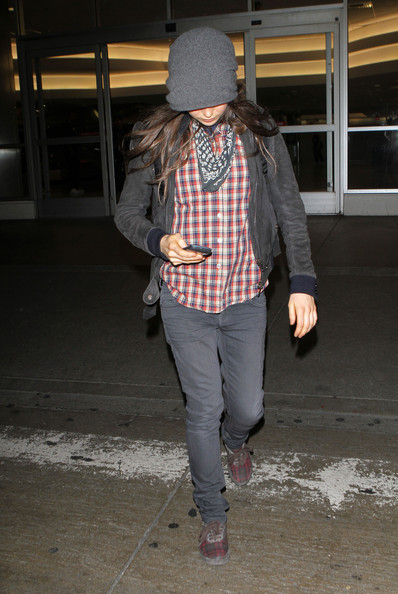 More Pics of Ellen Page Bandana (1 of 7) - Ellen Page Lookbook - StyleBistro