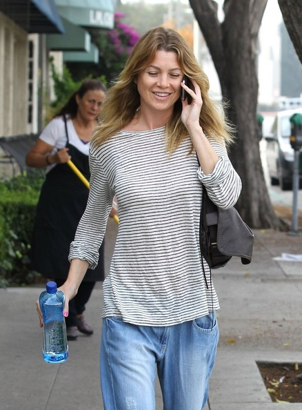 More Pics of Ellen Pompeo Boyfriend Jeans (1 of 8) - Boyfriend Jeans Lookbook - StyleBistro