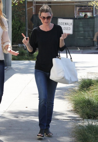 More Pics of Ellen Pompeo Skinny Jeans (1 of 41) - Ellen Pompeo Lookbook - StyleBistro