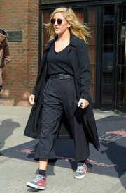 Ellie Goulding was spotted out in New York City sporting a pair of mom capris.